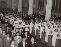 Cathedral High School Graduation at the Cathedral Basilica of Christ the King, 1953, Photo Credit: Bochsler Studio Photographers, (DHA.001.595)